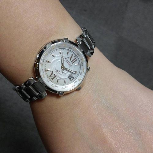 Đồng hồ Citizen EC1060-59W đầy nữ tính